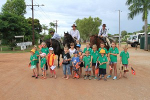Children from Katherine School of the Air visit The Borella Ride at Daly Waters